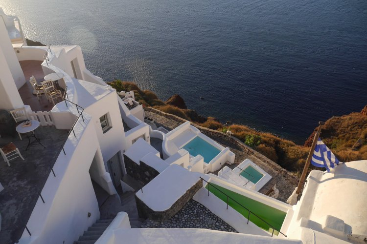 On a budget? The ultimate guide to Santorini