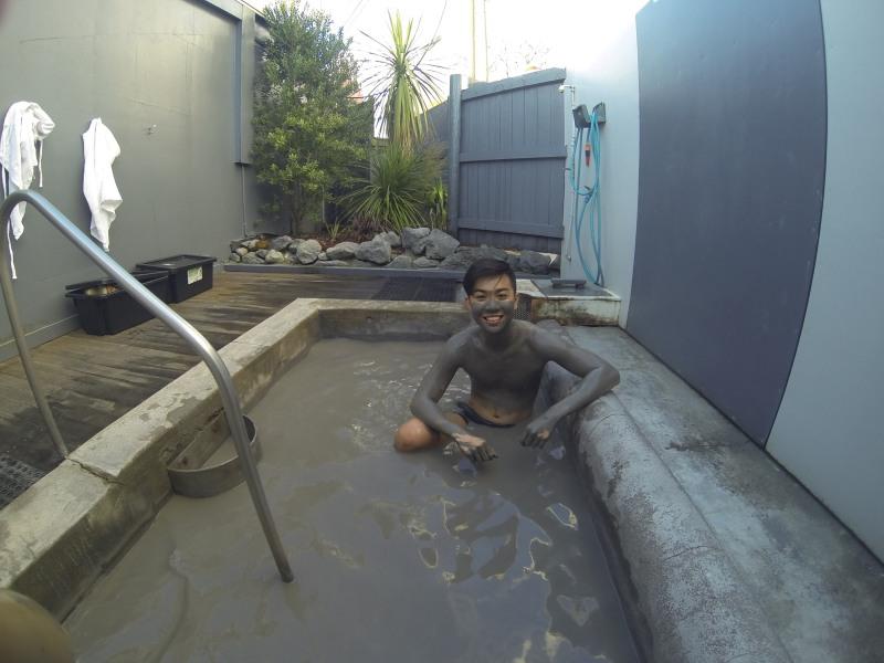 True Mud Therapy in Rotorua, New Zealand – Hells Gate Geothermal Park and Mud BathSpa